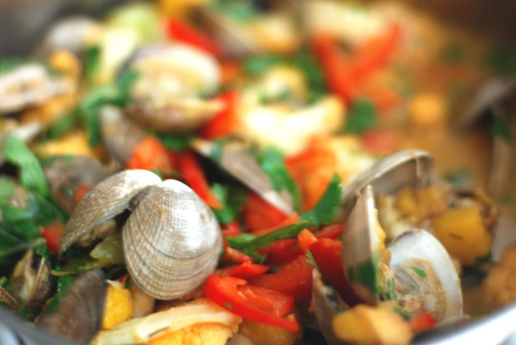 Thai Red Curry Clams & Mango