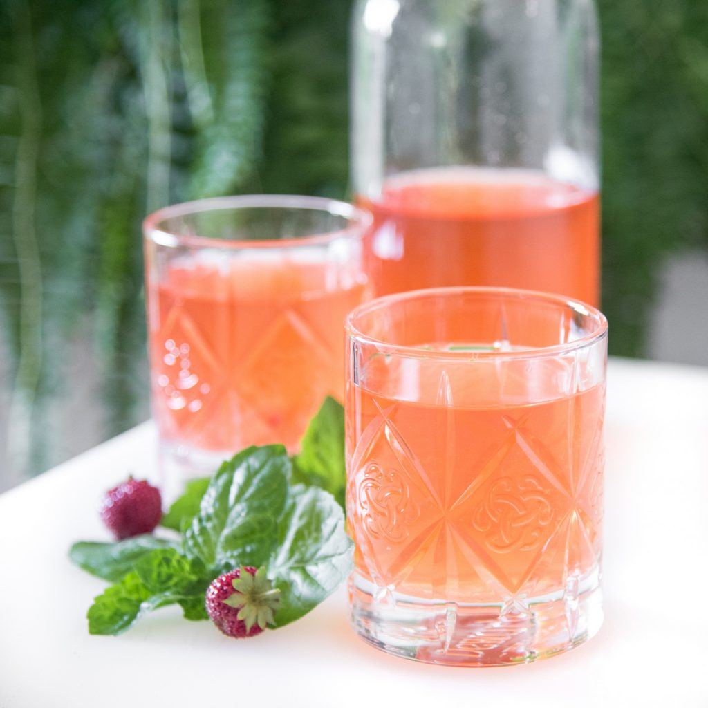Strawberry Mint Water Kefir is super easy to make.  Sweet strawberries and mint make your mouth happy and your gut too!